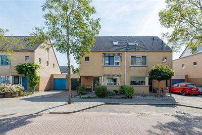 Beatlesweg 6, Almere