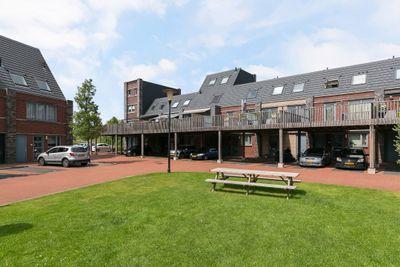 Olijfhout 4, Barendrecht