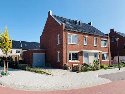 Catharina van Beekstraat 1, Kampen