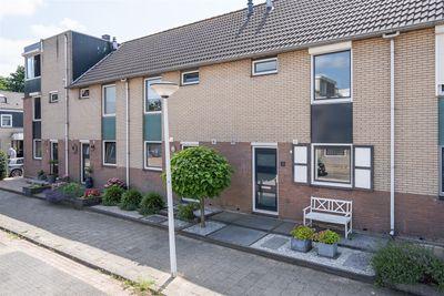 Bremhof 8, Papendrecht