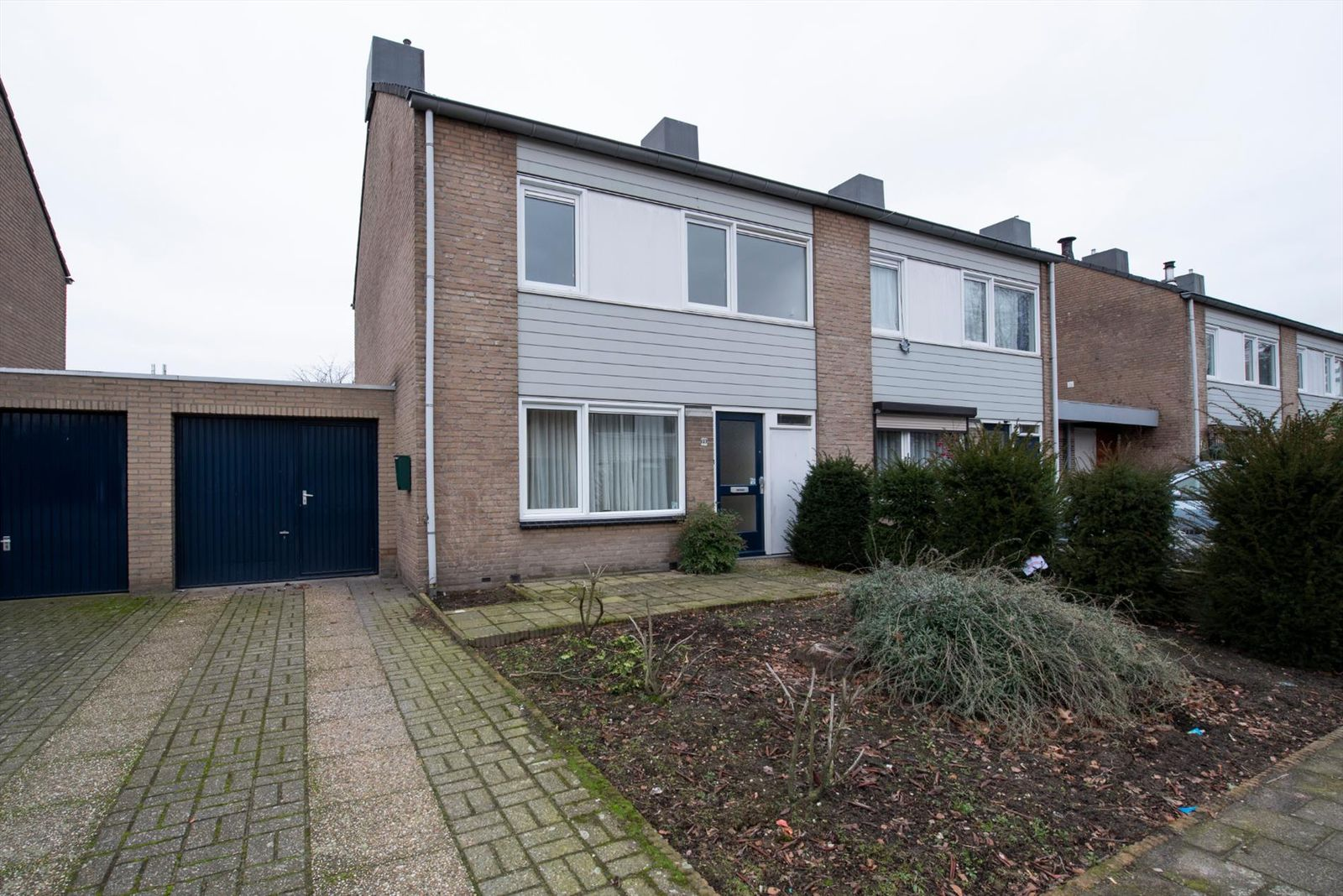 Sint Lambertusstraat 60, Budel-Schoot