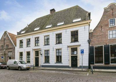 van Kinsbergenstraat 1--b, Elburg