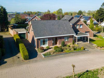 Pastoor Meursstraat 8, Azewijn