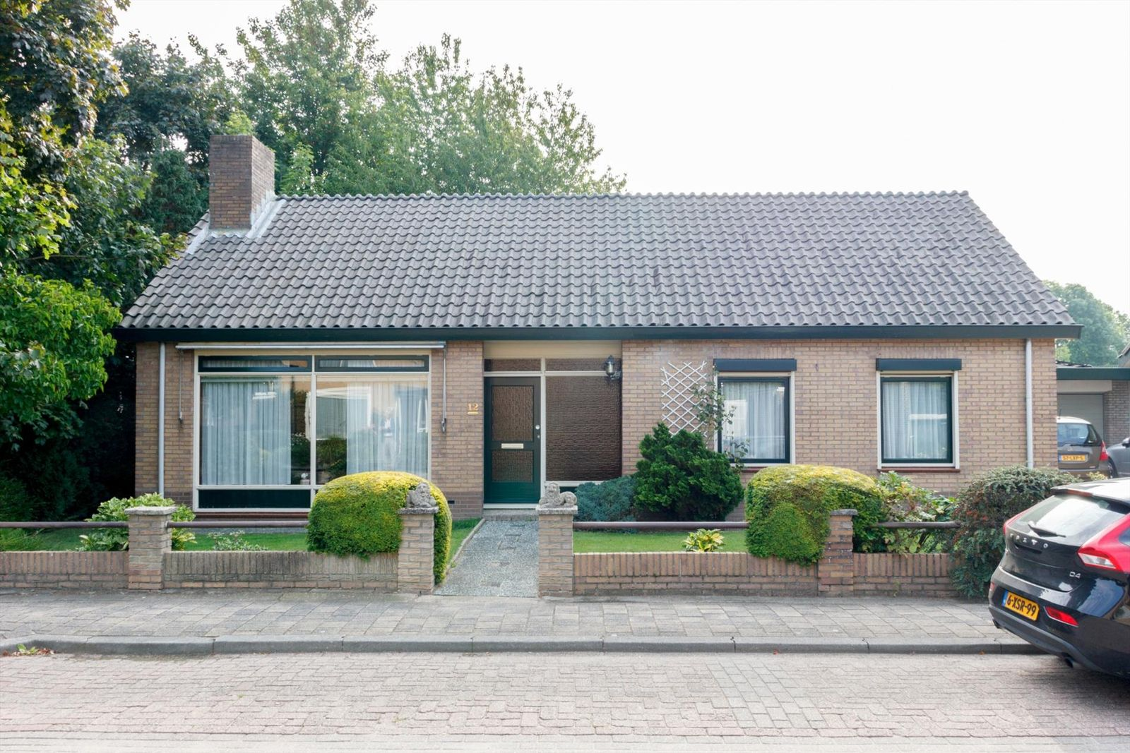 Notaris van Aalstweg 12, Waardenburg