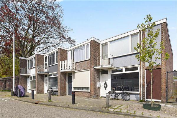 Bisschop Aelenstraat 33, Tilburg