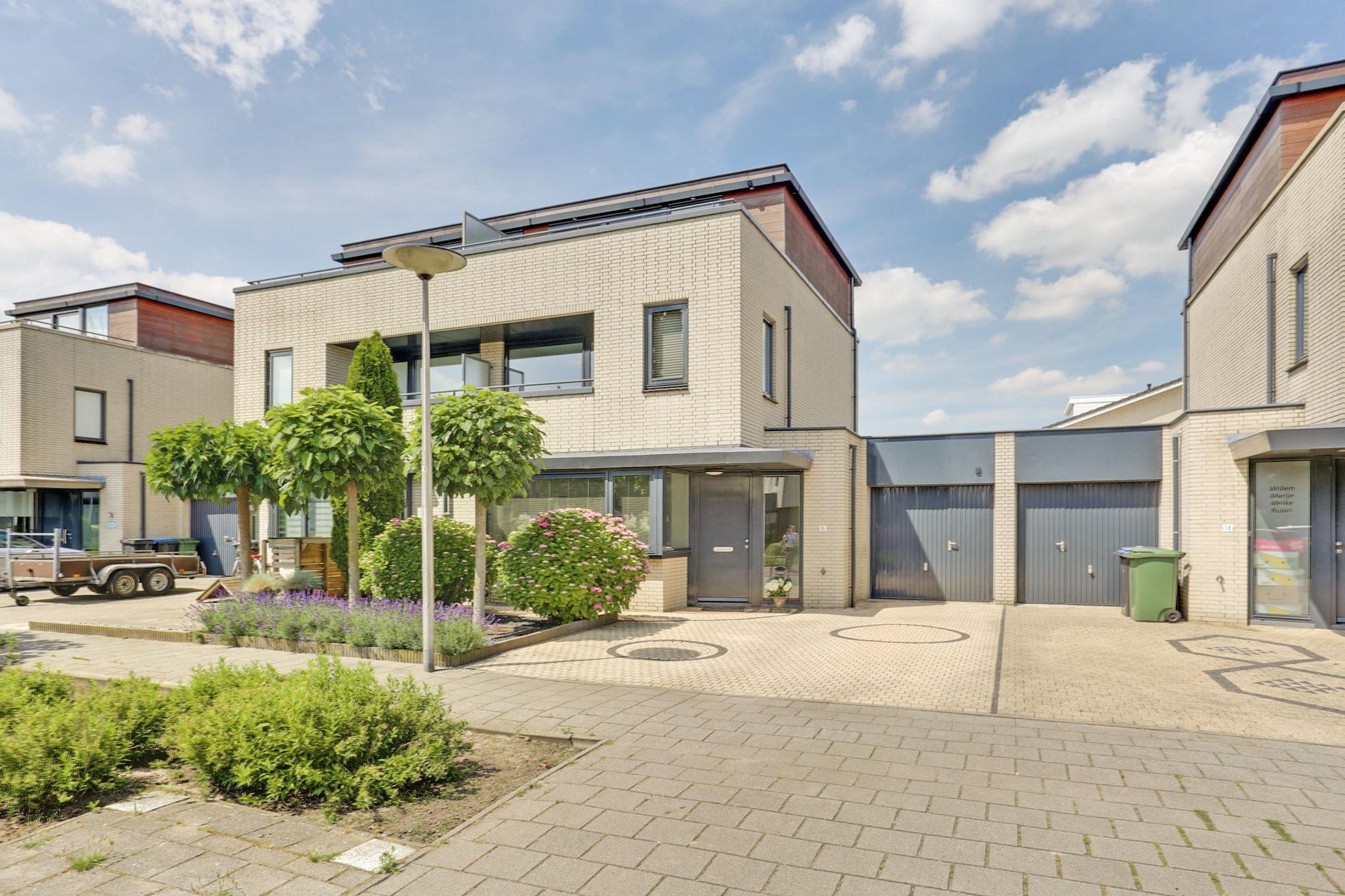 Meeuwberg 16, Roosendaal