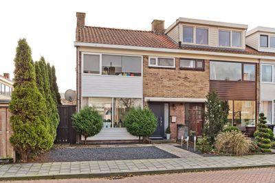Lindenlaan 16, Leimuiden