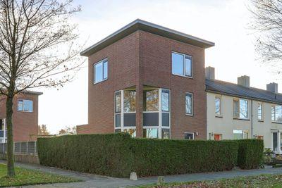 Valkenlaan 102, Hoogeveen