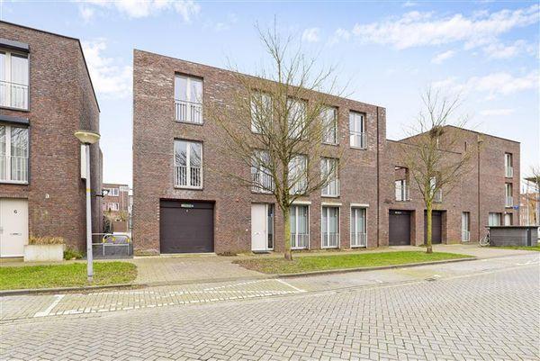 Kiel 4, Almere