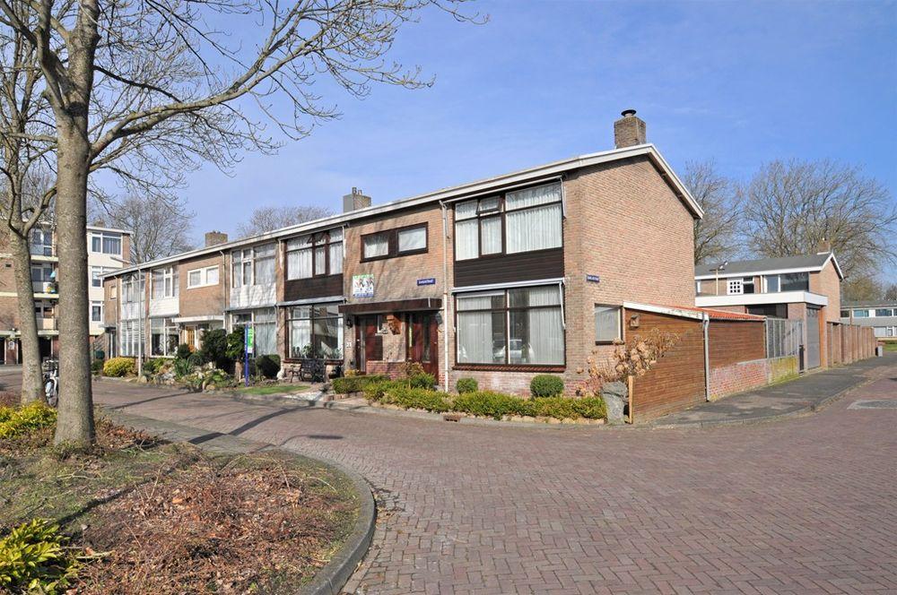 Dahliastraat 22, Hoogeveen