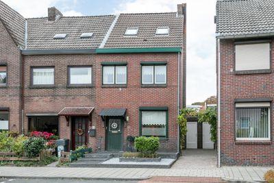 Parallelstraat 66, Amstenrade