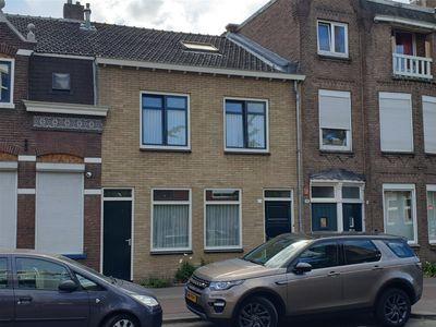 Broekhovenseweg 17, Tilburg
