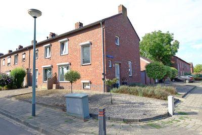 Piet Heinstraat 10, Brunssum