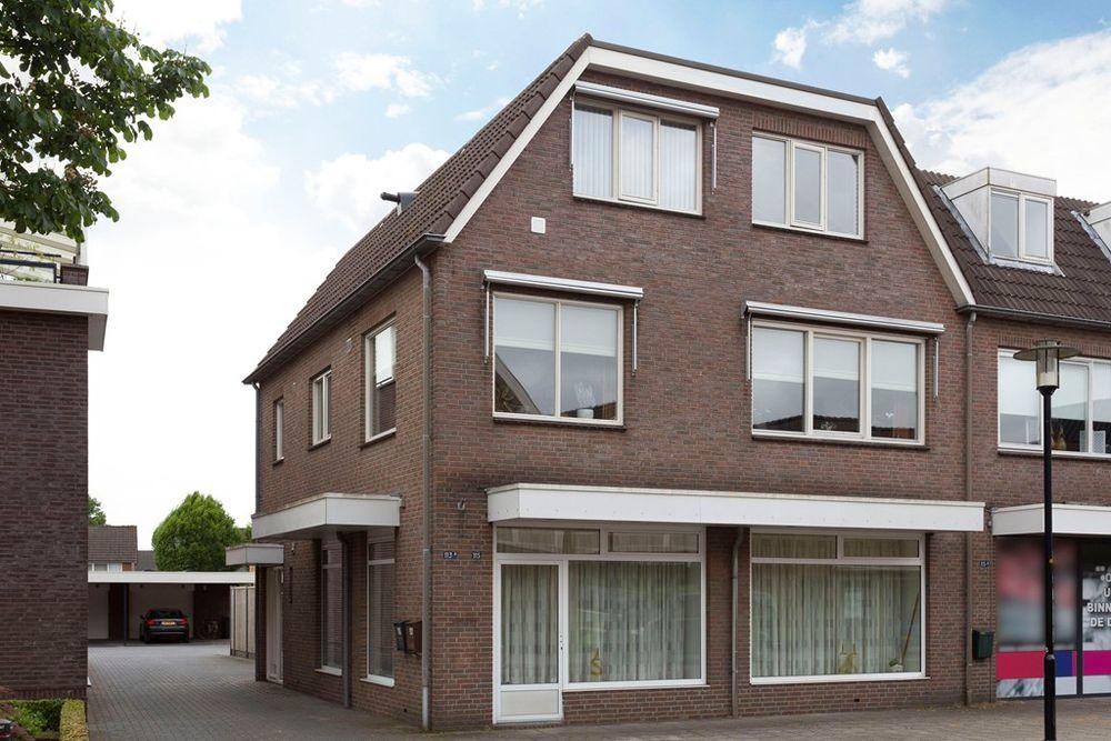 Dorpsstraat 113A, Enter