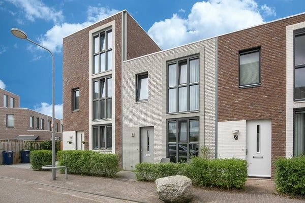 Iskurstraat, Almere