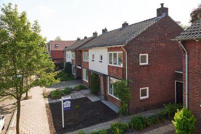 Spreeuwenstraat 26, Hengelo