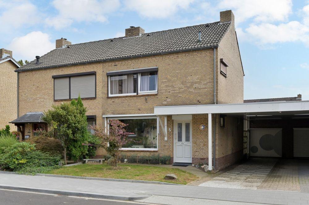 Grasbroekstraat 5, Limbricht