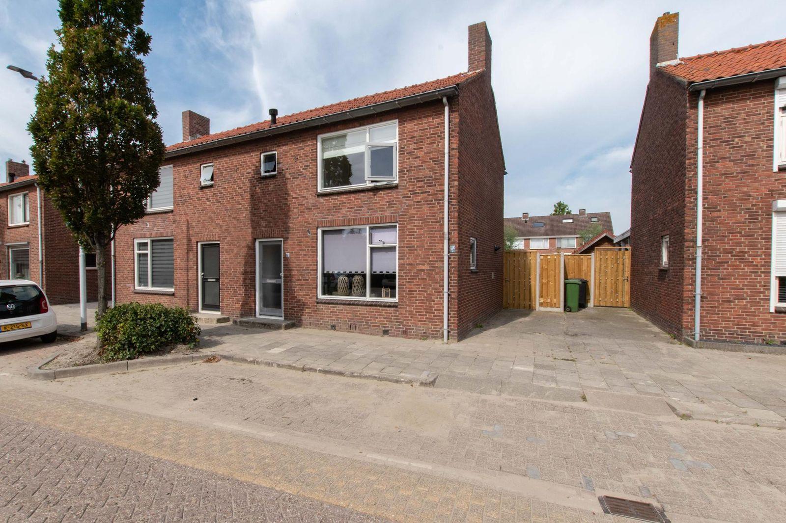 Burgemeester van der Havestraat 79, Oosterland