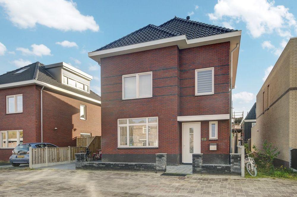 Anzarstraat 8, Almere