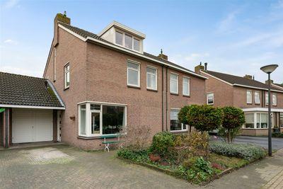 Adriaan Brouwerlaan 56, Oosterhout