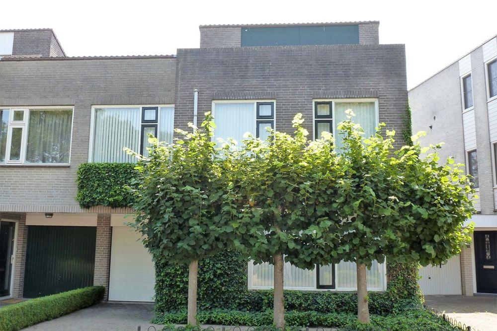 Lotusberg 21, Roosendaal