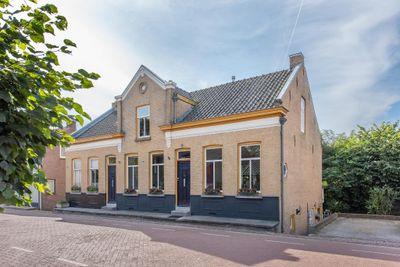 Spoorstraat 24, Hooge Zwaluwe