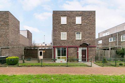 Sara Burgerhartweg 155, Hoogvliet Rotterdam