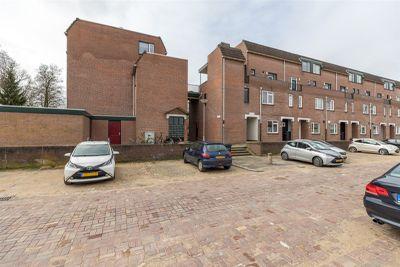 Meindert Hobbemastraat 109, Dordrecht