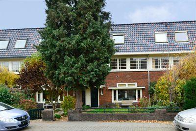 Dr. P.J.H. Cuypersplein 29, Hilversum