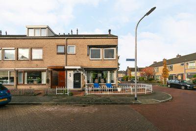 Esdoornlaan 2, Rijnsburg