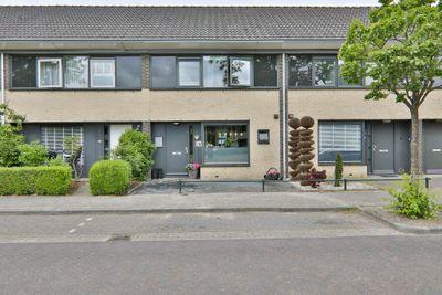 Van Damstraat 12, Hoogeveen