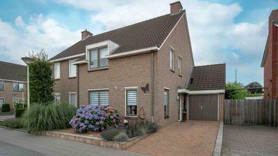 Limburgstraat 26, Deurne