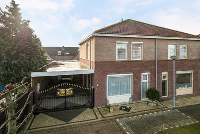 Wim Van Eststraat 1, St. Willebrord