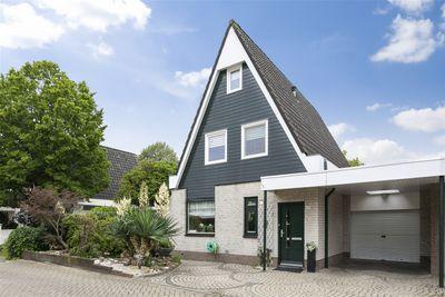 Hagebeemd 28, Oosterhout