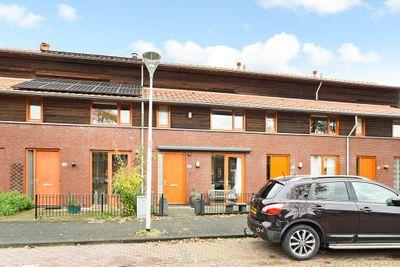 Buizerdlaan 102, Den Haag