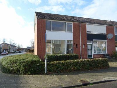 Cypresstraat 48, Winterswijk