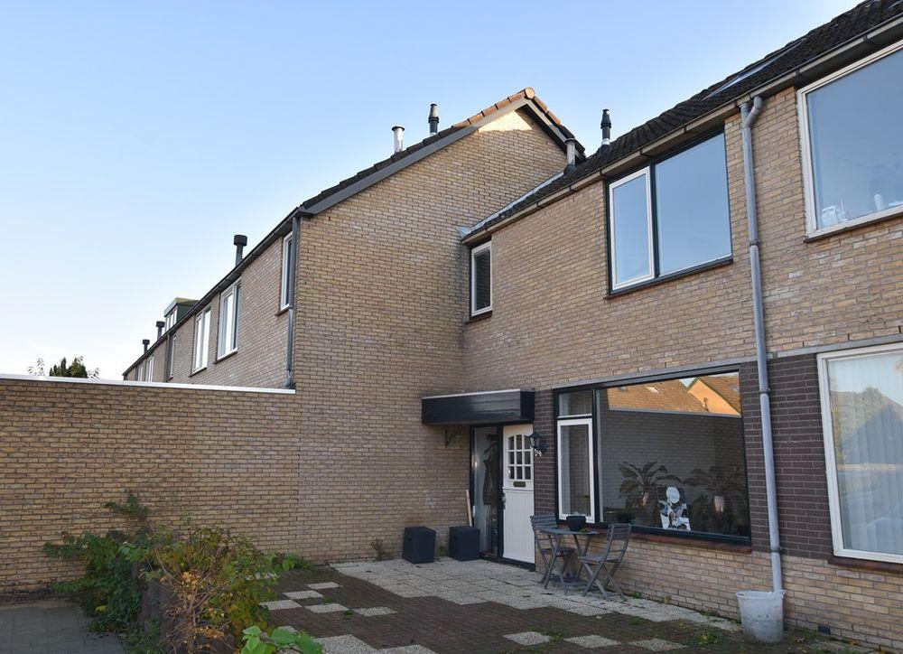 Wijngaard 94, Lelystad