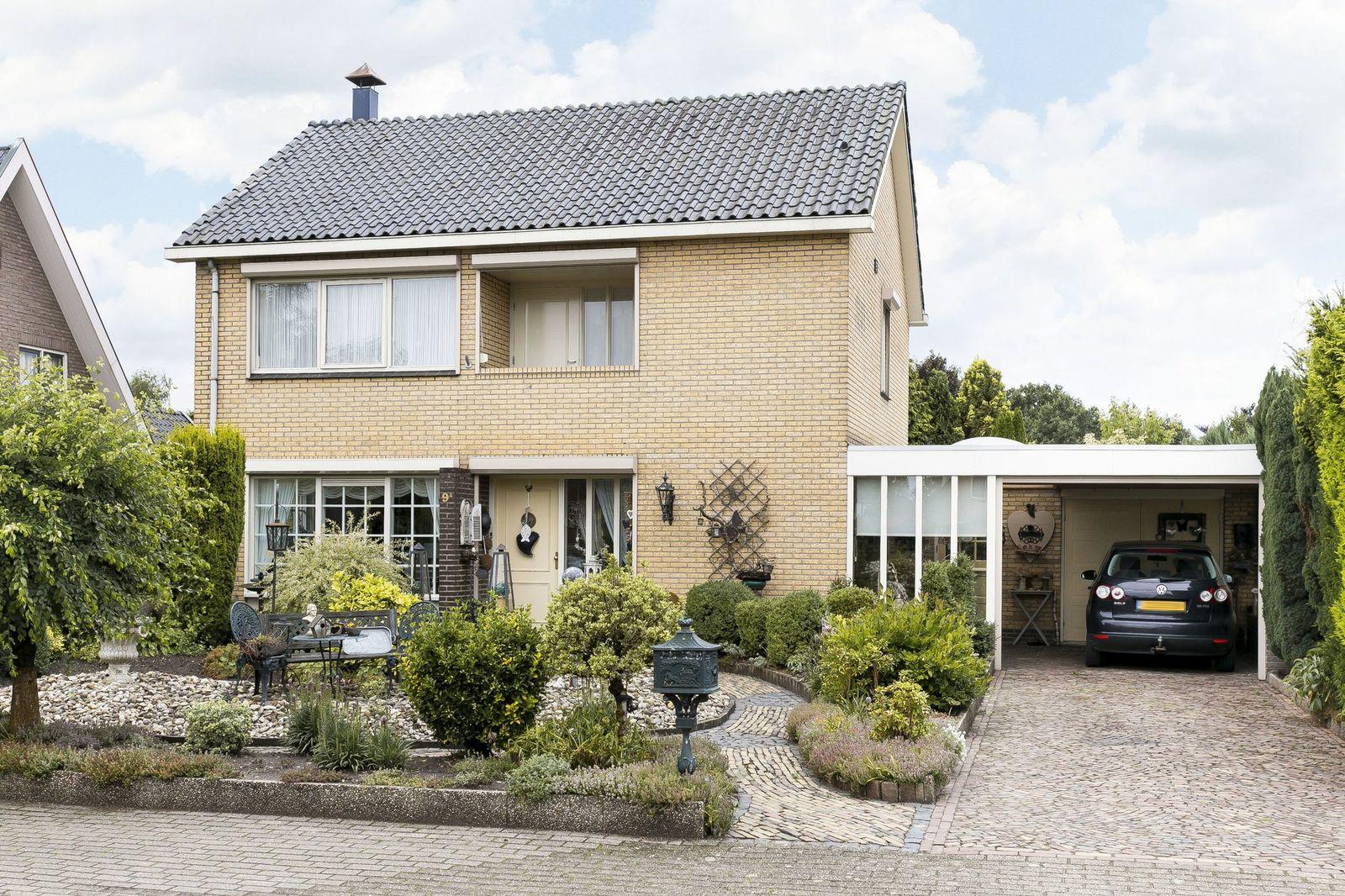 Stationsweg 9-A, Haarle