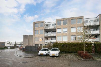 J.T.P. Bijhouwerhof 13, Almere