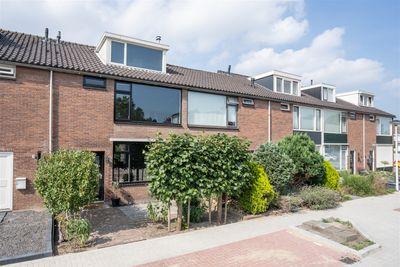 Oudaenstraat 10, Papendrecht