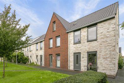 Van Oortstraat 33, Zwolle