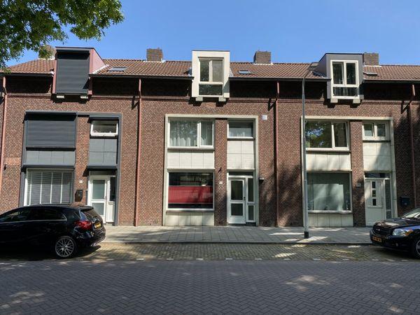 Van Limburg Stirumlaan 79, Tilburg