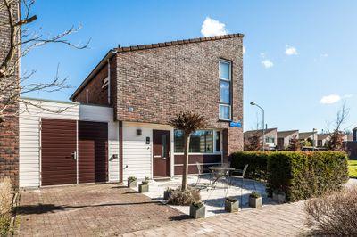 Vrijdagstraat 18, Almere