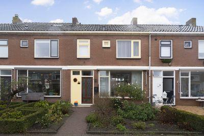 Lorentzstraat 21, Kampen