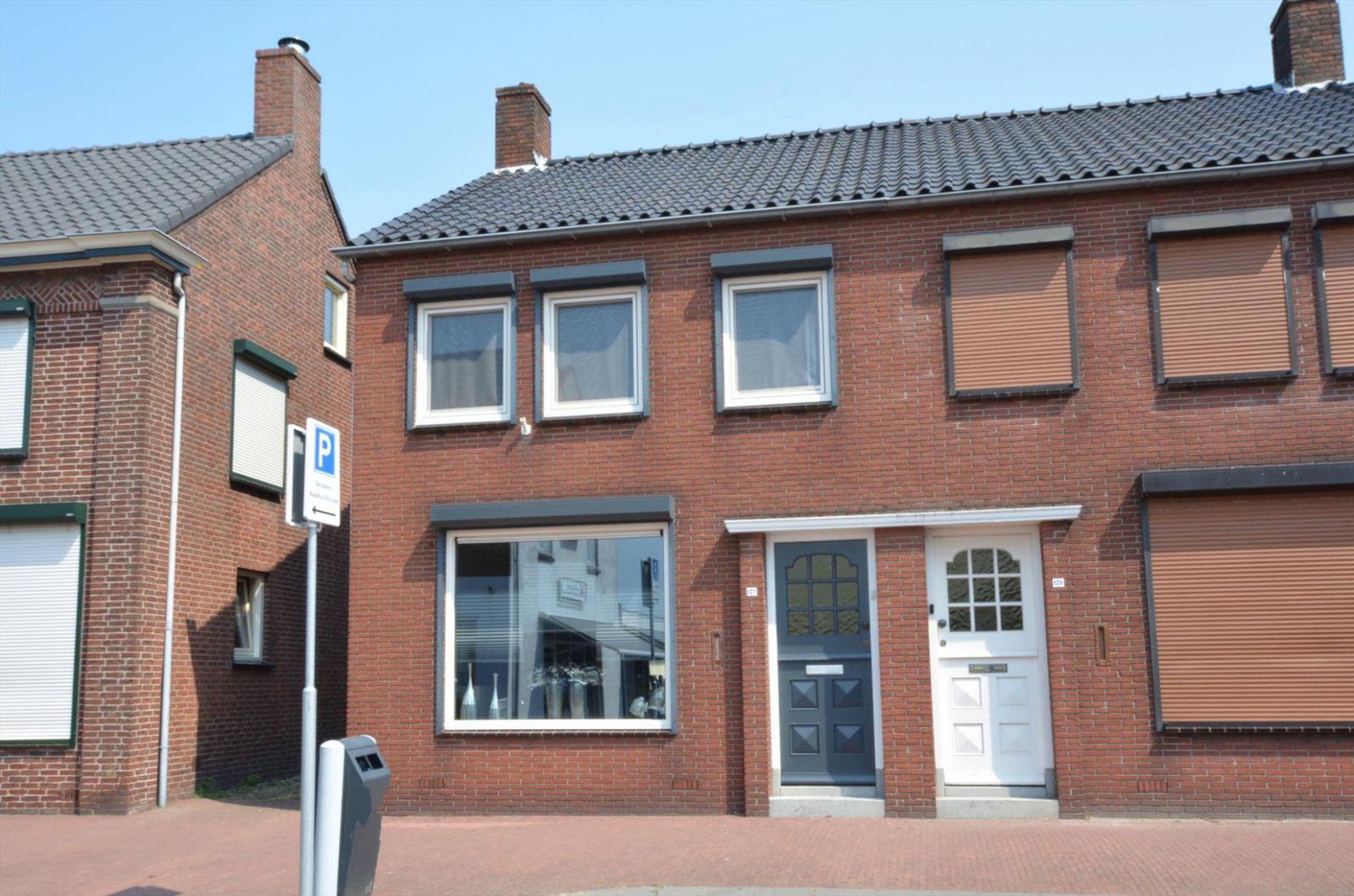 Raadhuisstraat 127, Hoogerheide