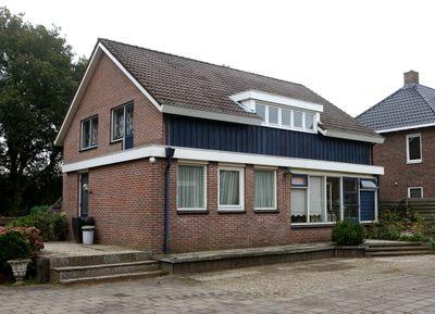 Schutstraat 16, Kloosterhaar
