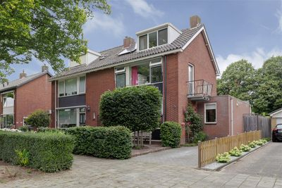 Cort van der Lindenlaan 60, Sliedrecht