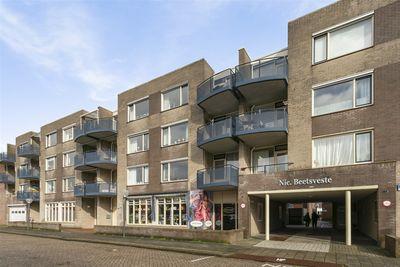 Nicolaas Beetsplein 35, Hoogeveen