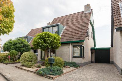 Fluwijnberg 56, Roosendaal