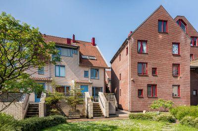Spinhuispad 64, Schiedam